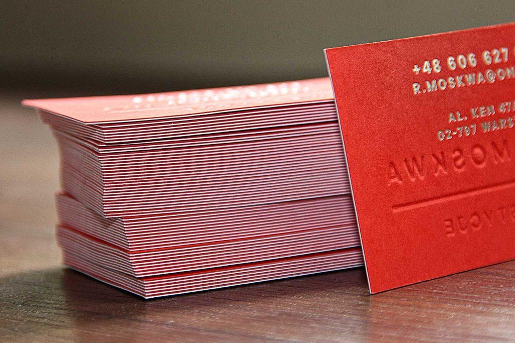 czerwone wizytówki