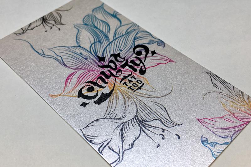 perłowe-wizytówki-dla-studia-tatuażu
