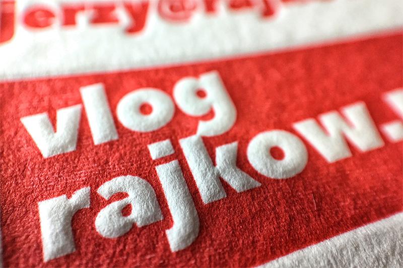 wizytowki-dla-vlogera-letterpress-czerwone-brzegi
