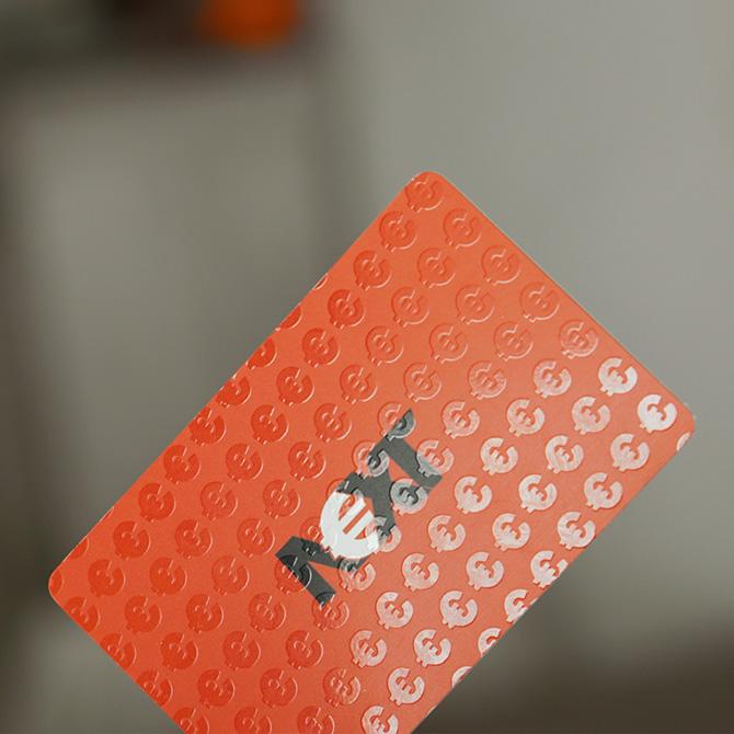 plastikowa wizytówka lakier