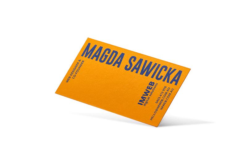kaszerowana wizytówka z różnych papierów