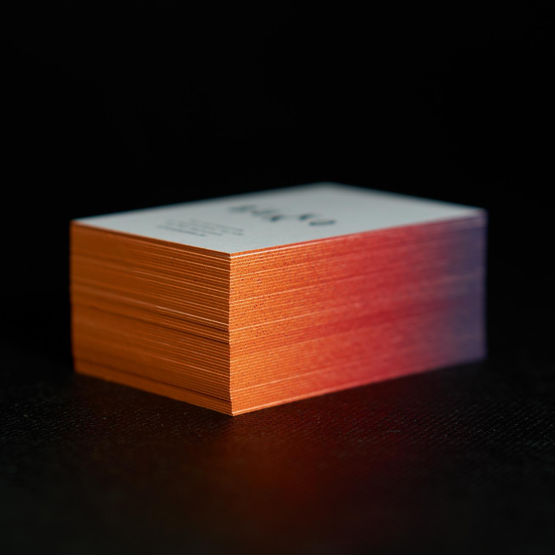 wizytówki z kolorowymi brzegami