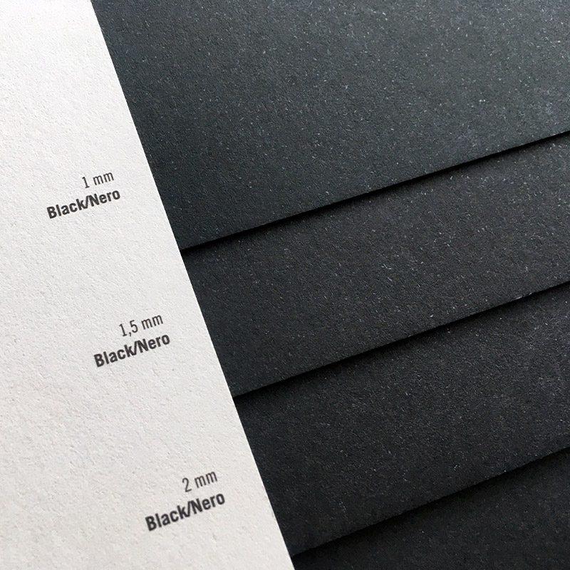 ciemne-wizytowki-prestizowe-papier